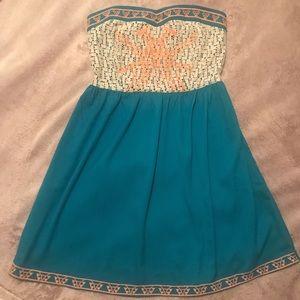 Lizard Thicket Boutique Heart-cut Strapless Dress